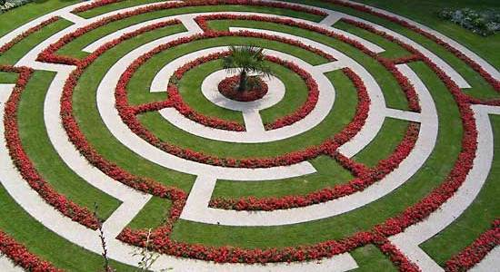http://www.britannica.com/EBchecked/topic/327066/labyrinth